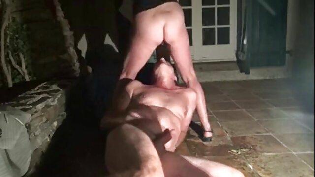 Ragazza con video porno gratis nonne e nipoti tette piccole diteggiatura cazzo con i piedi e le mani