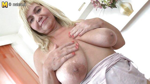 Enorme Tiits cam nonne italiane porno gratis modello con doppio dildo, masturbazione