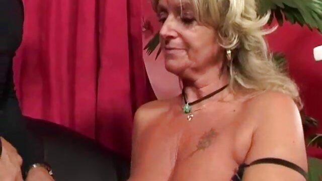 Strano Pissing nonne molto arrapate Umiliazione