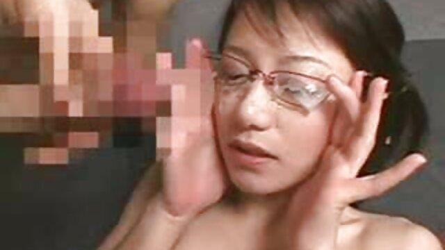 Angelina Valentine si è presa pompini da nonne la guancia e cavalca un grosso cazzo