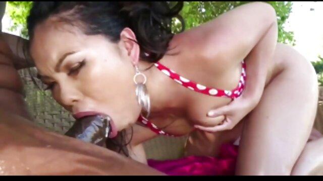 Cum4K corrente di sperma padrona ottiene donne porno vecchie più crimpers