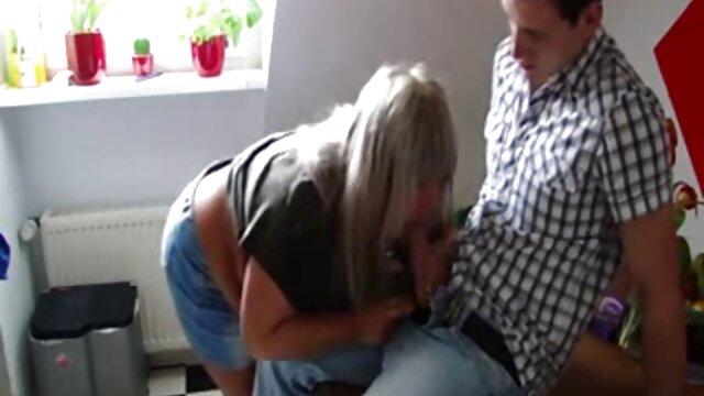 Asiatico ufficio slut con grandi video gratis di nonne porche tette catturato masturbarsi in H
