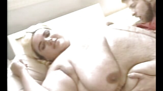 Papà scopa la sua padrona in bocca film porno nonne italiane e poi nel culo