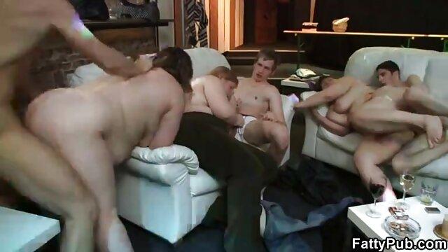 Avril San Si masturba da un enorme video porno nonne free cazzo nero suole