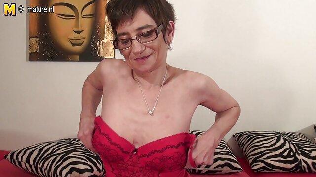 bionda video nonne italiane giglio Scambia strapons con procace lavanda