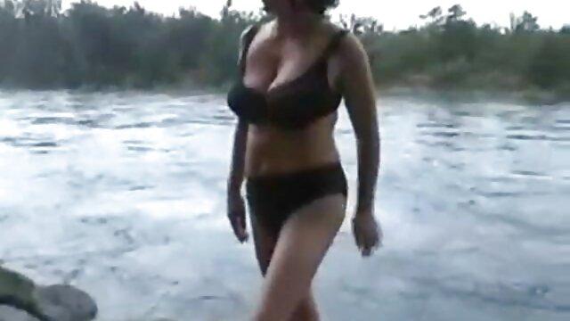 Cazzo enorme non si adatta nella Figa Stretta di inculate donne vecchie una giovane ragazza