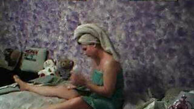 Bethany Benz adora il cazzo enorme video porno nonne puttane al gloryhole