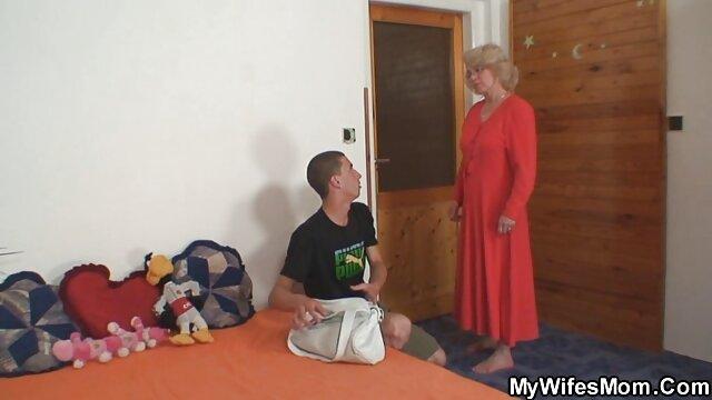 Bionda in calze succhia il marito porche vecchie italiane amico