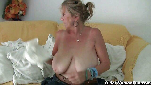 18 anno vecchia ragazza con enorme culo Ava scintille video nonne italiane cavalca un enorme lecca-lecca